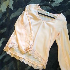 Tobi top with lace detail and open sleeves